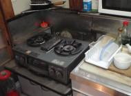 2階の使っていない台所のガスコンロ